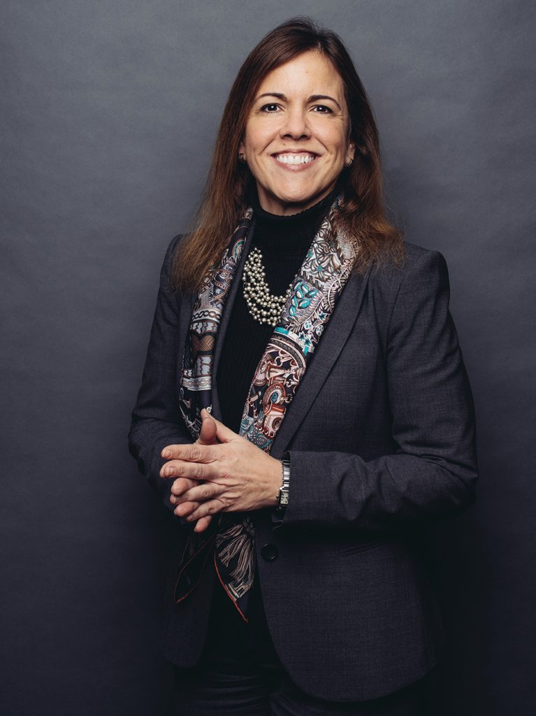rigida Benitez '93 served as the DC Bar's forty-third president, as president of DC's Hispanic Bar Association, and as a member of the board of DC's Women's Bar Association.
